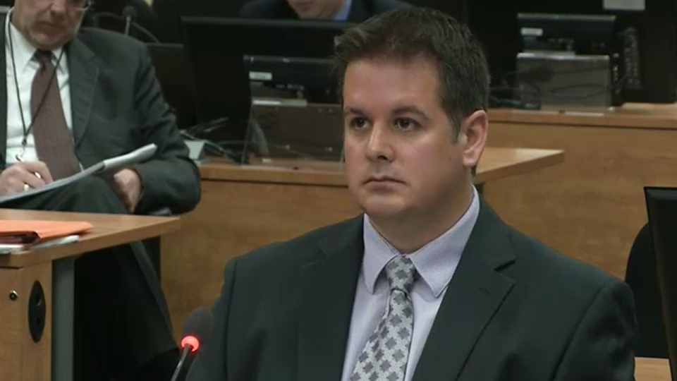 Martin Dumont testifies Tuesday in front of the Charbonneau Commission (Oct. 30, 2012)