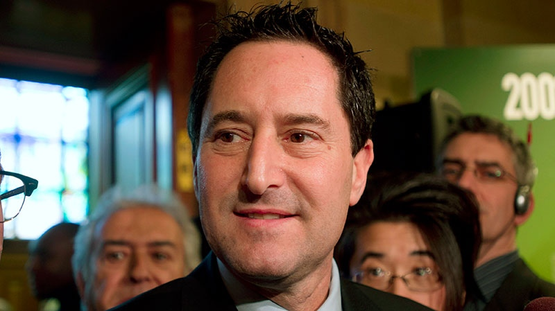 Michael Applebaum speaks to reporters in Montreal, Friday, Nov. 16, 2012. (Graham Hughes / THE CANADIAN PRESS)
