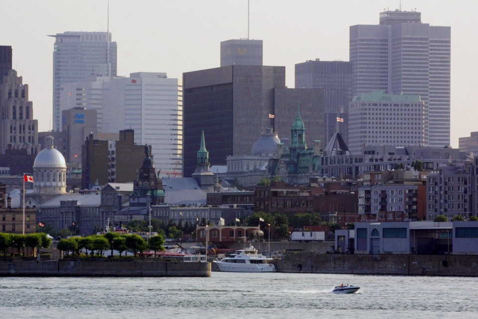 The Montreal skyline (CP PHOTO/Jonathan Hayward)