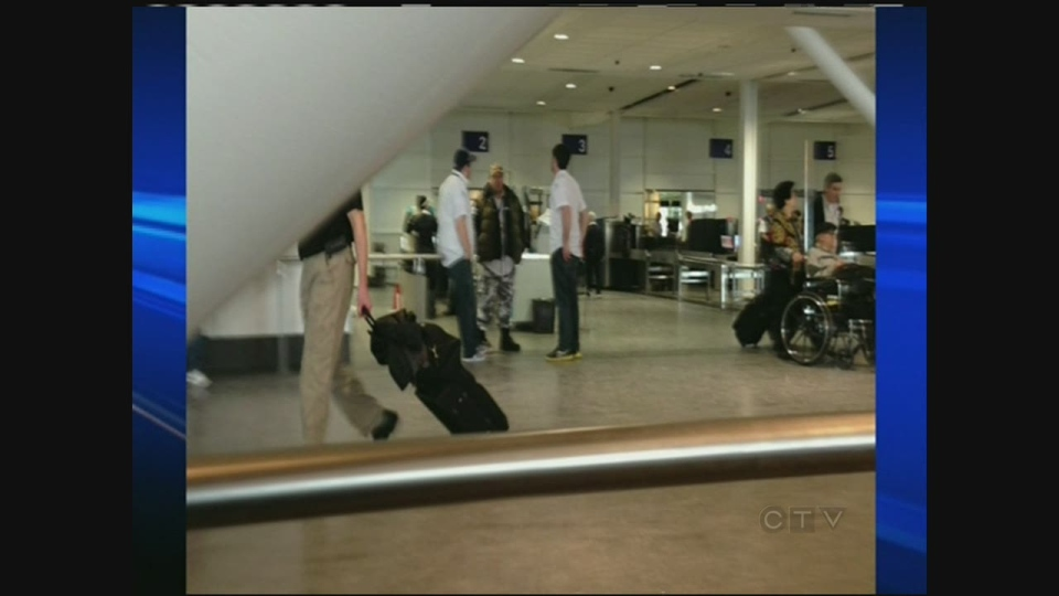 Airport screeners at Trudeau International Airport have rejected the latest contract offer from Securitas. (Jan. 9, 2013)