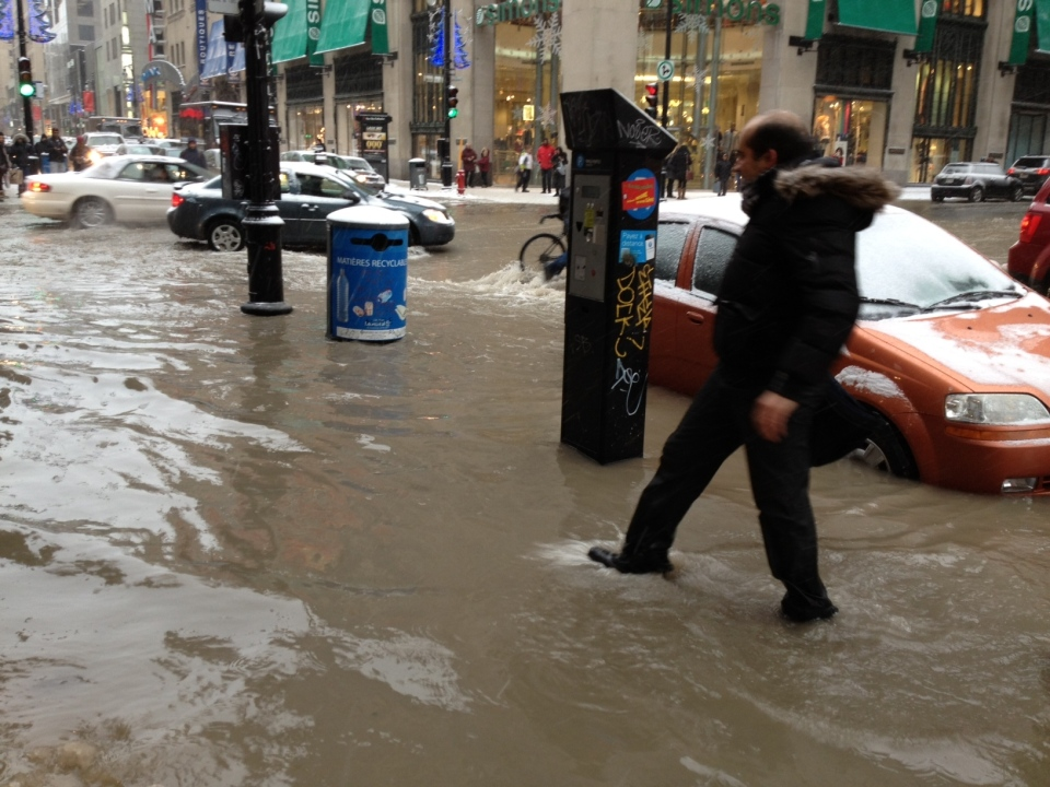 Ste. CAtherine St. at Mansfield was submerged Monday (CTV Montreal / Annie DeMelt)