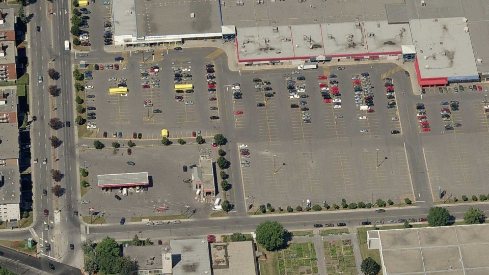 The area at Remembrance St. and 32nd Ave. where a holdup was reported on Friday afternoon. (Courtesy Bing Maps.)