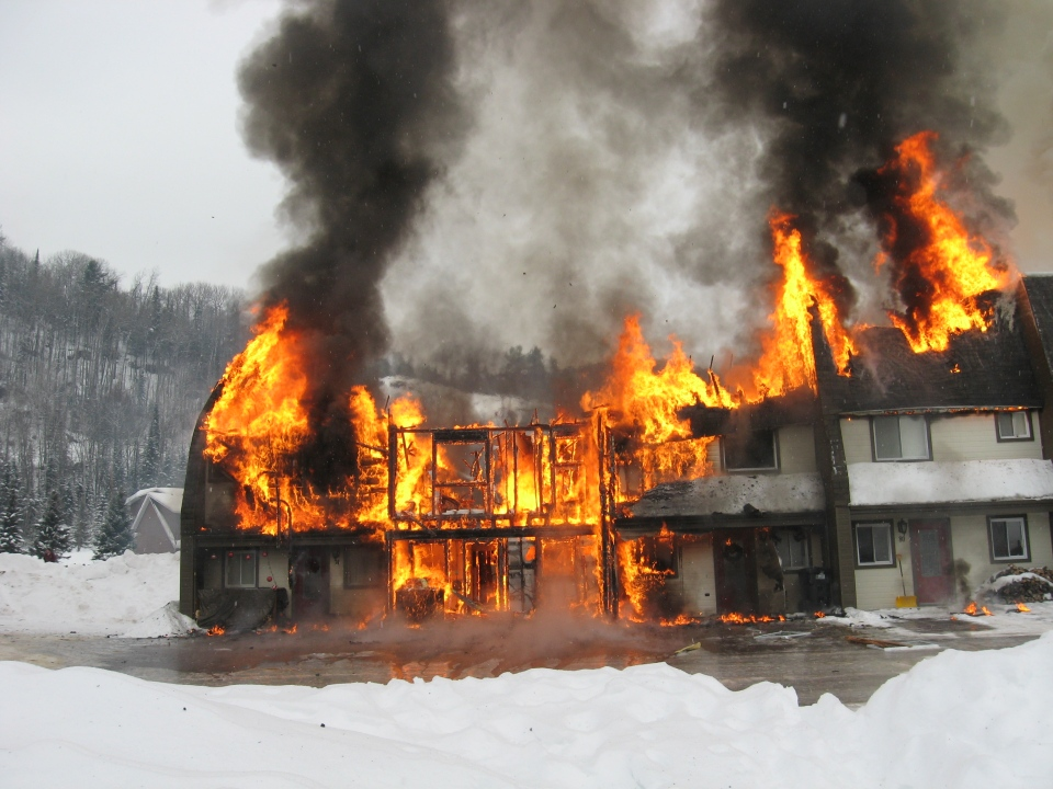 A fire at Ski Val Saint-Côme in Lanaudiere turned six condos to rubble. (photo courtesy: Marc Lamoureux)