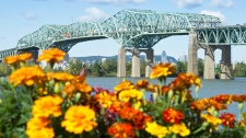 Ottawa to replace the Champlain Bridge in Monteal