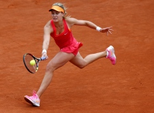 Eugenie Bouchard advances at French Open