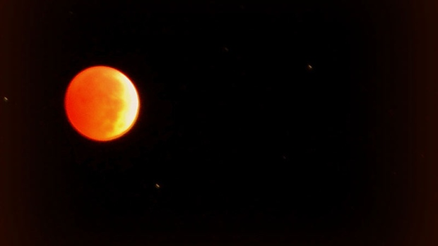 Lunar eclipse spotted near Wawanesa, M.B., Wednesday, Oct. 8, 2014. (Sheila Elder / MyNews)