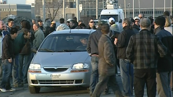 Aveos workers protest outside of Air Canada HQ after being laid off (March 20, 2012)
