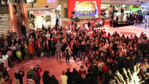 Earlier this month, more than 230 Mormons gathered at Complexe Desjardins in Montreal to spread a little Christmas spirit.