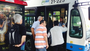 Commuters board buses at Lionel Groulx metro on Aug. 5, 2105 (CTV Montreal/JL Boulch)