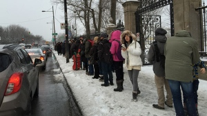Commuters say they were waiting over an hour for a bus at Pie-IX metro (photo: Danielo Iannantuoni)