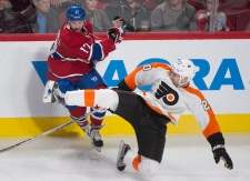 R.J. Umberger collides with Torrey Mitchell