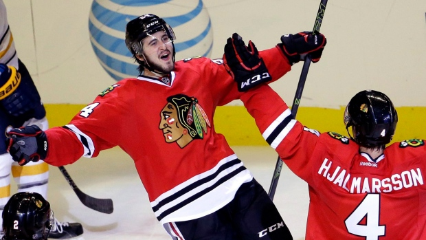 Blackhawks acquire Dale Weise and Tomas Fleischmann from Canadiens
