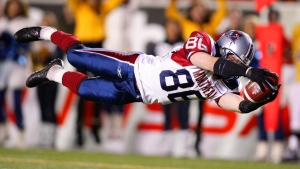 Montreal Alouettes slotback Ben Cahoon makes a touchdown catch during fourth quarter Grey Cup action in Calgary, Sunday November 29, 2009. Montreal won the game 28-27. THE CANADIAN PRESS/Jeff McIntosh