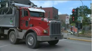 Trucks from Turcot worksite causing noise and dust in St. Henri