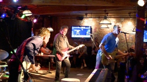 Dennis Quaid is in town with his band DK and the S