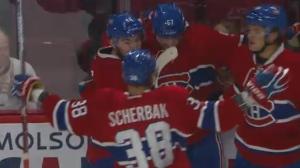 Teammates congratulate Markus Eisenschmid on scoring the first goal of the Canadiens pre-season (Sept. 26, 2016)