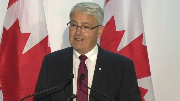 Federal government aims to lower airfares by bolstering competition