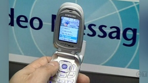 CTV Archives: First cellphone with video messaging