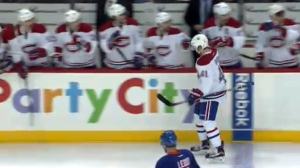 Paul Byron high-fives the Canadiens after opening scoring the first goal against the Islanders (Oct. 26, 2016)