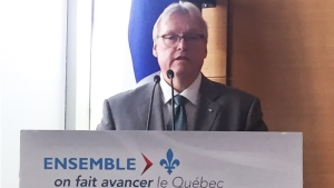 Health Minister Gaetan Barrette announces $20 million in funding devoted to operating rooms (Nov. 28, 2016)