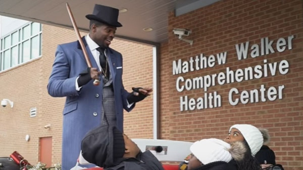P.K. Subban brings holiday cheer to kids from Nashville hospital