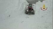 snow avalanche italy