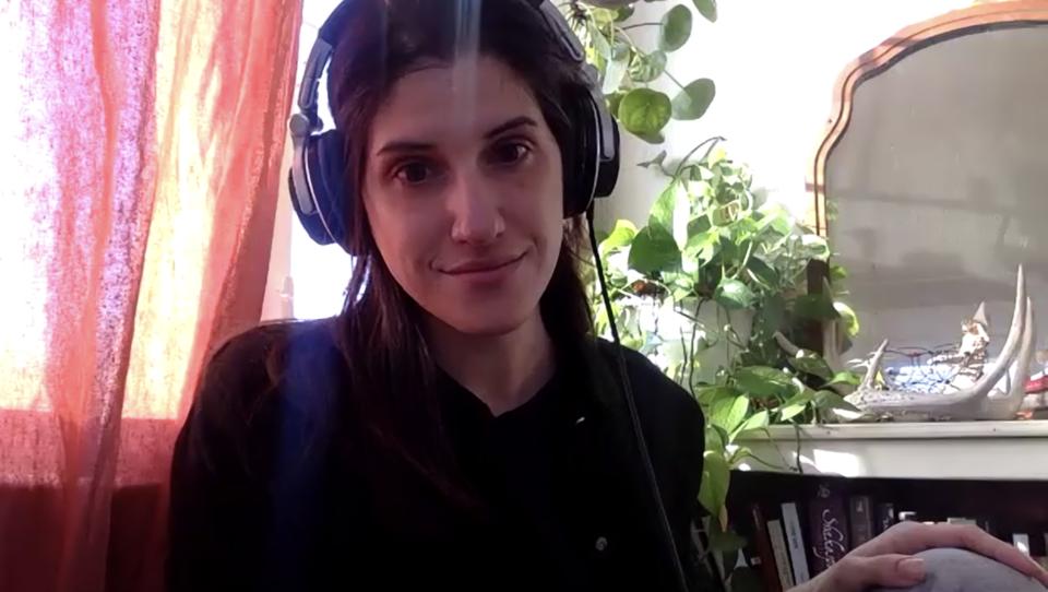 Gabrielle Dumais, ahli bahasa Prancis cis-queer