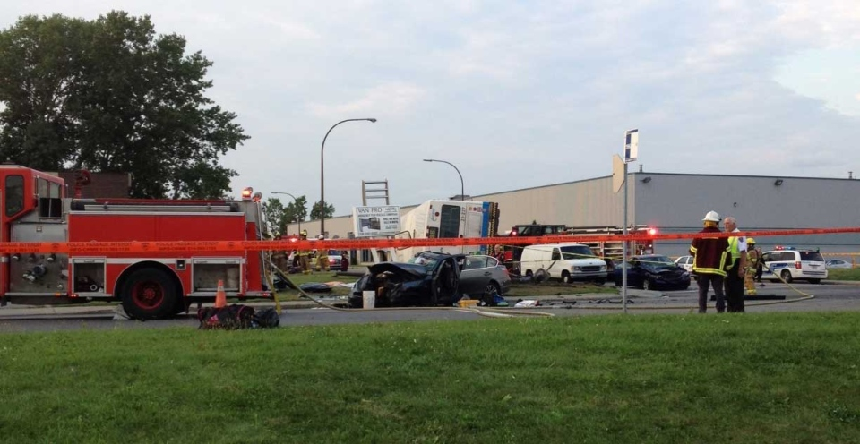 Two people have died after an STM bus crashed with a car in Dorval (Cindy Sherwin/CTV Montreal)